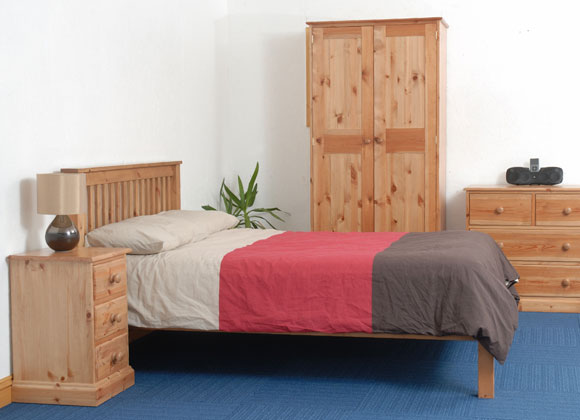 Westbury Range Bedroom Bed and Wardrobe