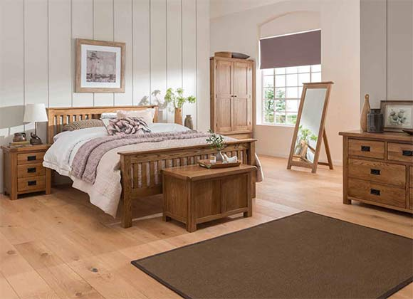 Cwmbran Pine and Oak Rustic Oak Bedroom Set